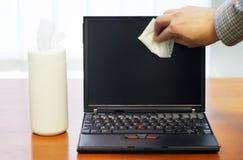 Laptopbildschirmreinigung Lizenzfreies Stockfoto