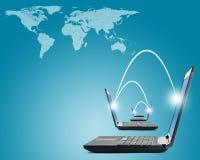 Laptops met wereldkaart Stock Afbeelding