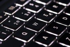 Laptoptastatur geführt stockbilder