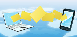 Laptoptelefon-Ordnerübertragung Lizenzfreies Stockfoto
