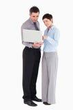 laptopu biuro używać pracownika Zdjęcia Royalty Free