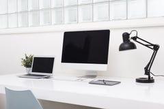 Laptopu chodnikowiec fotografia stock