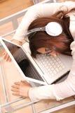 laptopu dosypianie zdjęcia stock