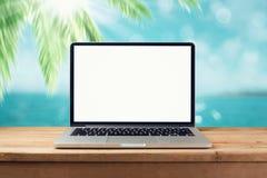 Laptopu egzamin próbny up obrazy stock
