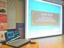 Laptopu i projektoru ekran zdjęcie royalty free