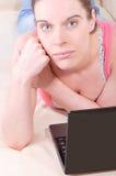 laptopu kobiety potomstwa Zdjęcie Stock