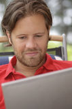 laptopu mężczyzna potomstwa Zdjęcie Stock