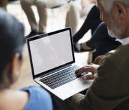 Laptopu networking wydarzenia Seminaryjny pojęcie Fotografia Royalty Free
