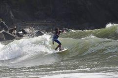 LaPush praticante il surfing, bambino! Vestito per il quarto di luglio fotografia stock