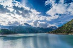 Laque (lac) Emosson près de Finhaut au Valais, Suisse Photo libre de droits