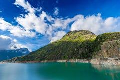 Laque (lac) Emosson près de Finhaut au Valais, Suisse Image stock