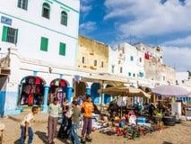 Larache, Μαρόκο - 16 Σεπτεμβρίου 2010: Ομάδα παιδιών που θέτουν για τη κάμερα Στοκ Εικόνες