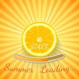 Laranja do fruto O fundo alaranjado da barra de carga do verão com raios do sol e o sol piscam Foto de Stock