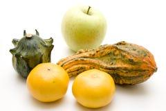 Laranjas e abóbora com maçã foto de stock royalty free