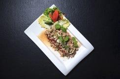 Larb猪肉猪肉,沙拉,剁碎,辣,食物 免版税库存图片