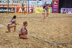 LAREDO, SPANJE - JULI 31: Juliana Xavier Andrade de Oliveira en Andrea Sanchez, BMP Algeciras spelers in het handbal Champi van S stock afbeeldingen