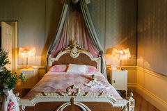 Free Large Bed Royalty Free Stock Image - 35914176