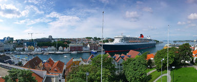 Large cruise ship in port Royalty Free Stock Image