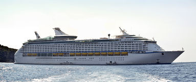 Large cruise ship at sea Royalty Free Stock Photos