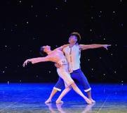 Large danse de Choeur-groupe de la rivière Yellow d'esprit-Le Photographie stock libre de droits