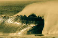 Free Large Hollow Wave Spray Cross Process Royalty Free Stock Photo - 32195525