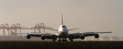 Large 747 jumbo jet on runway Stock Photos