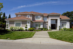 Free Large Luxurious Suburban Home For The Executive With A Family Stock Photography - 1137322