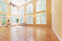 Large luxury interior home. With vaulted ceiling Royalty Free Stock Photo