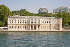 Large luxury waterfront residence Royalty Free Stock Photography