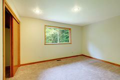 Large new empty  living room with big wndow Royalty Free Stock Photos