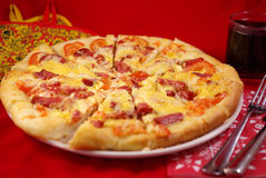 A large pizza Royalty Free Stock Photos
