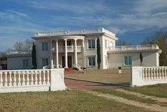 Large plantation style house Stock Photography