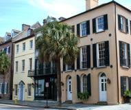 Large rue historique à Charleston, Sc Photographie stock