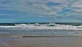 Free Large Waves At Cape Hatteras Royalty Free Stock Photography - 110800547