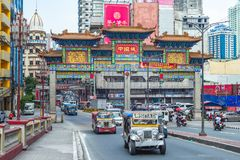 The largest chinatown arch of the world in manila royalty free stock photos