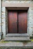Largeur de la Chine Chengdu des portes en bois de chinois traditionnel d'allée Photographie stock libre de droits