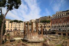 Largo di Torre Argentina à Rome, Italie Photographie stock libre de droits