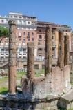Largo di Torre Argentina är en arkeologisk whe för plats nästan royaltyfria bilder