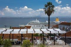 Largo Portas gör Sol Lisbon Arkivfoton