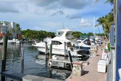 Largo Resorts And Marina dominante fotos de archivo