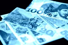 Lari georgiano su un fondo scuro Colore blu tonificato immagine stock libera da diritti