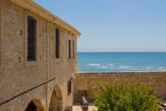 Larnaca middeleeuws fort stock foto
