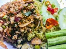 Larpmoo of Thaise kruidige fijngehakte varkensvleessalade, één van de populaire menu's van het straatvoedsel Trek juffrouw van `  royalty-vrije stock foto