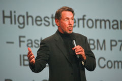 Larry Ellison bildet Rede an Oracle OpenWorld Stockfotografie
