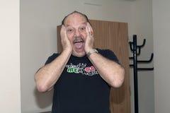 Larry Harlow alvorens Yomo Toro bij het Ziekenhuis te bezoeken Royalty-vrije Stock Foto