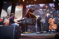 Lars Danielsson stellen Programm Liberetto 2 im Quartettformat dar lizenzfreies stockbild