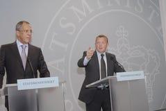 lars Lokke Rasmussen u. Sergey Lavrov (L) Stockbilder