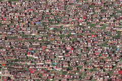 Larung Gar Buddhist Institute royaltyfri foto
