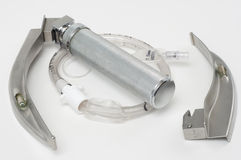 Laryngoscope et tube d'intubation Photos stock