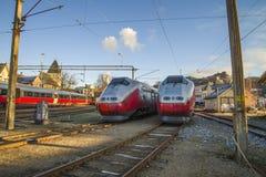 Las áreas para los trenes en halden la estación de ferrocarril Imagen de archivo libre de regalías